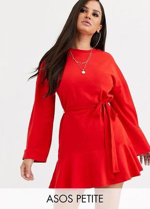 Красное платье свитшот с поясом и воланом снизу, платье оверса...