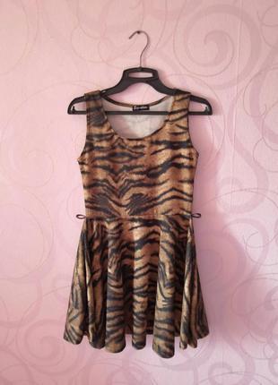 Платье с анималистичным принтом, платье с пышной юбкой,коротко...