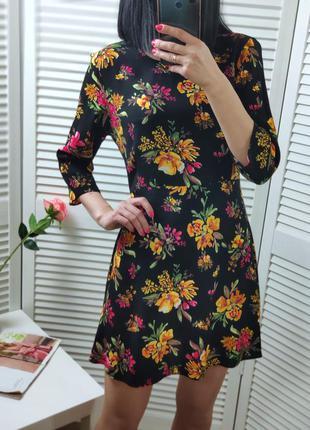 Платье zara в цветы, р-р xs-s
