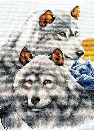 """Набор для вышивки крестом  """" Серые волки """" Размер картины 34*41см"""