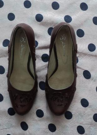 Классические туфли с вышивкой, женские туфли на весну, весенни...