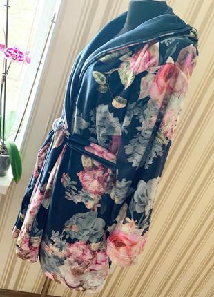Великолепный мягусенький   халат ted baker в цветы