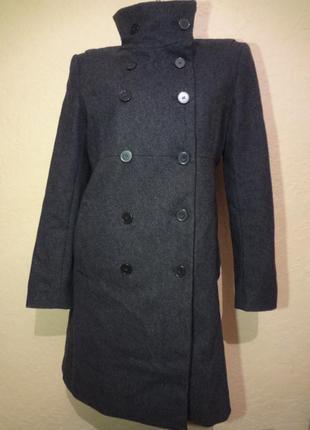 Красивое шерстяное пальто zara размер м