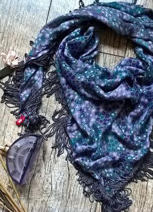 Красивенный брендовый платок/косынка с бахромой от edc-вискоза