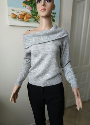Распродажа!!!серый укороченый свитер,кофта с объемным воротник...