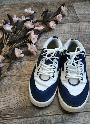 Кроссовки,кеды,туфли на шнуровку от zara/натуральная кожа/белы...