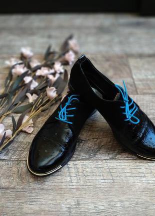 Черные туфли на шнуровку/оксфорды из натуральной лакированой к...
