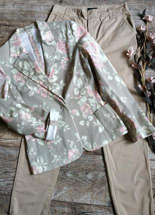 Цветочный блейзер/пиджак/жакет/принт розы на фоне хаки-s-ка