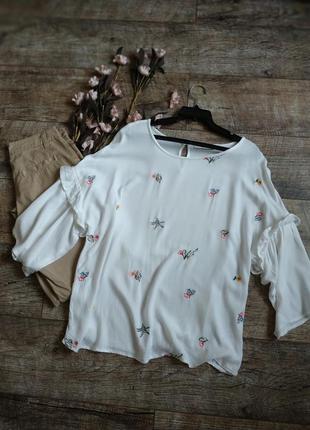 Нежная белая блуза с вышитыми цветами от george-l-xl-ка