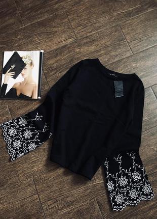 Распродажа! очень красивый свитер