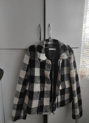 Стильна куртка в клітинку, піджак