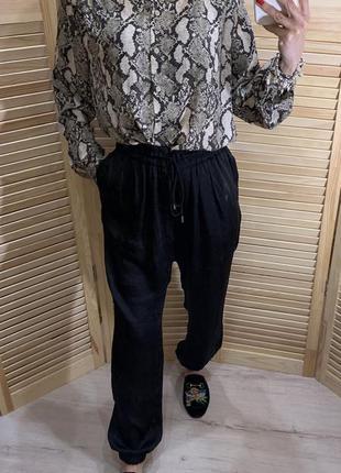 Легкие атласные брюки с манжетами zara