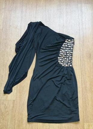 Платье нарядное расшитое камнями