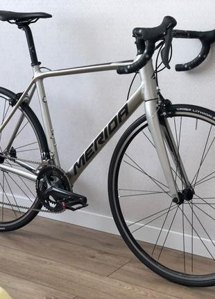 Шоссейный велосипед Merida Scultura 200 шоссер городской велик
