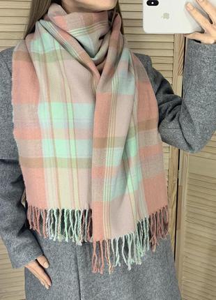 Тёплый клетчатый шарф палантин