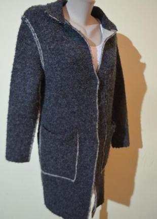 Красивый очень теплый кардиган или легкое трикотажное пальто и...