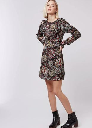 Нежное платье в цветы с длинным рукавом topshop