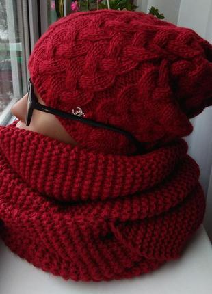 Новый красный комплект: шапка (на флисе) и хомут восьмерка, те...