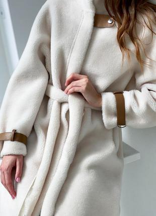 Меховое пальто из стриженного меха овечки в наличии