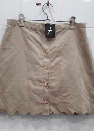 Стильная юбка на пуговках под замшу