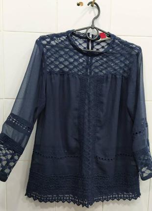 Красивая ажурная блуза с кружевом