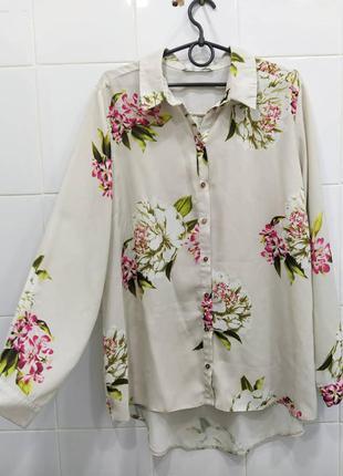 Красивая блуза айвори в нежный цветочный принт