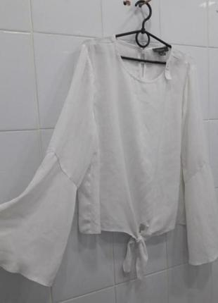 Стильная блуза с красивыми рукавчиками