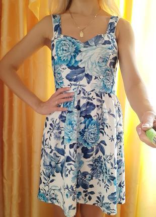 Платье-сарафан в цветочный принт