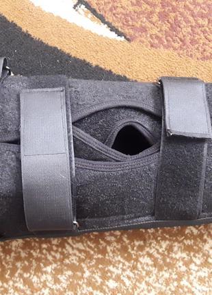 Продам бандаж для иммобилизации колена в отличном состоянии.