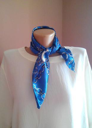 Красивый платок в стиле hermes