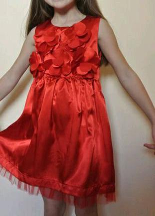 Атласное платье красное для девочки