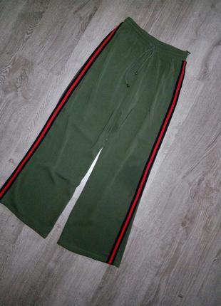 Италия,штаны брюки хаки с лампасами -тренд сезона😍