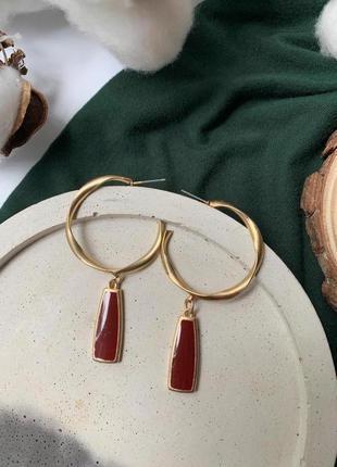 Необычные серьги-кольца с подвеской