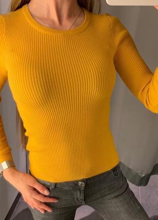 Горчичный свитер в рубчик кофта amisu есть размеры