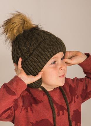 Теплая шапка на мальчика с ушками и завязками