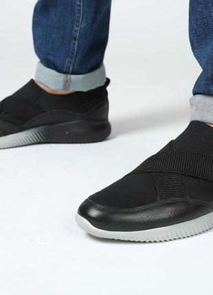 Мужские кроссовки с резинками, новые 42 размер