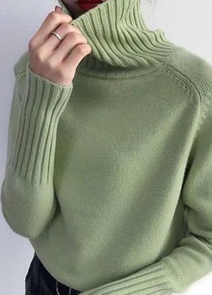 Мятный гольф свитер