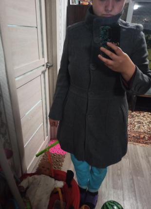 Пальто серое, приталеное, весна-осень george