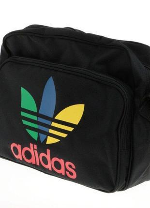 Фирменная спортивная сумка adidas
