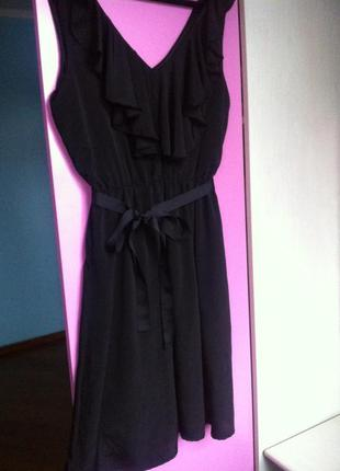 Модное летнее платье с воланом по талии на резинке