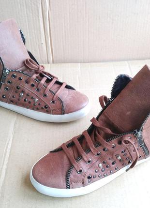 Стильные новые полностью кожаные сникерсы стильные кеды ботино...