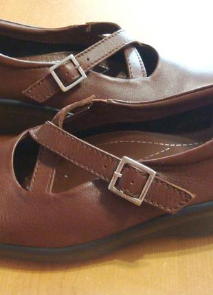 Новые кожаные качественные мокасины удобные туфли hotter