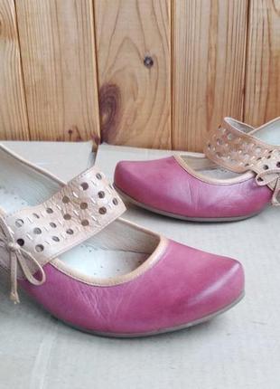 Новые стильные полностью кожаные босоножки туфли лодочки caprice