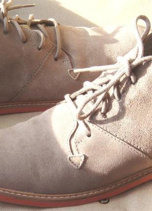 Лёгкие модные оригинальные замшевые ботинки pull & bear