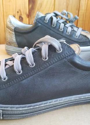 Супер стильные полностью кожаные новые мокасины кроссовки кеды...
