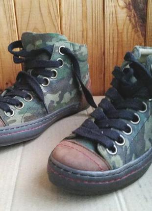 Стильные полностью кожаные утепленные кеды fly london ботинки