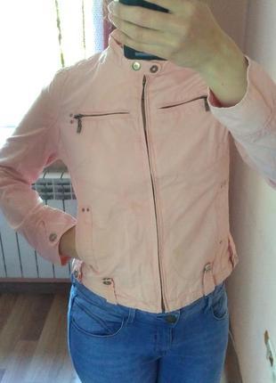 Светло-розовая легкая курточка ветровка banita b. размер s