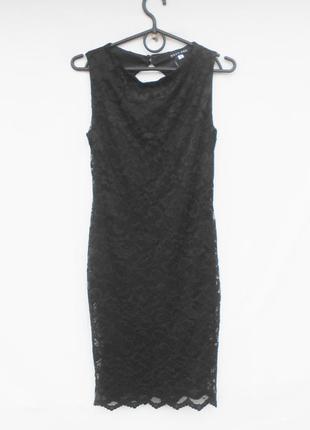 Коктейльное черное кружевное платье с открытой спинкой