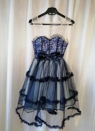 Красивое нарядное пышное платье кружевными рюшами воланами из ...