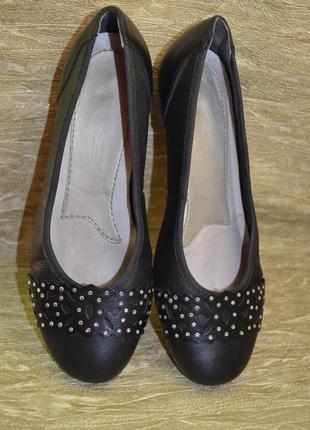 Легкие, комфортные , кожаные туфли rieker 38 р.